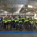 Foto de família de la pràctica de mobilitat segura duta a terme pels alumnes de sisè B de l'escola José Echegaray